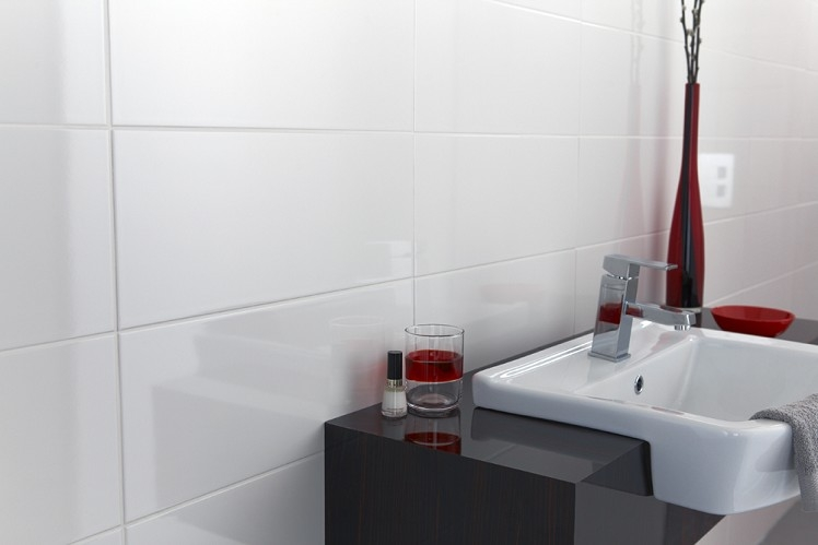 big white bathroom tiles white 600x300 wall tiles 17361
